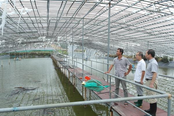 水产养殖户开展灾后