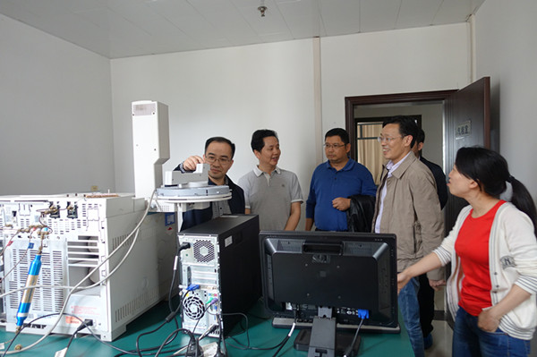 重庆市农委陈勇副主任检查指导市水产站安全生产工作