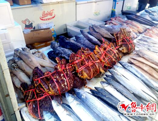 年关将至山东淄博海鲜市场进入销售旺季