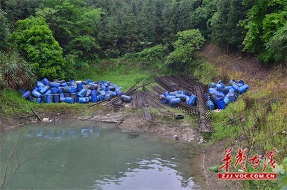 湖南张家界慈利县:库区非法养殖 法院依法强拆