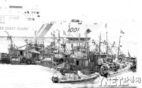 渔船马克笔手绘