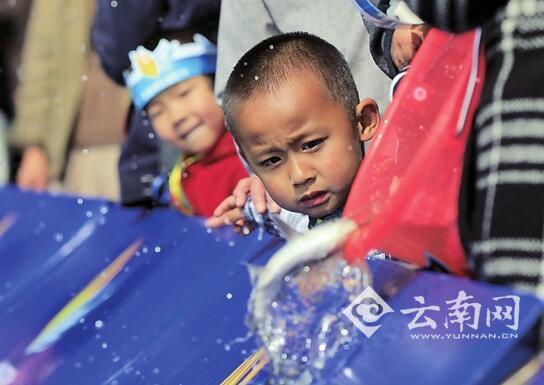 12月20日上午10点  云南昆明海埂公园相约来放鱼