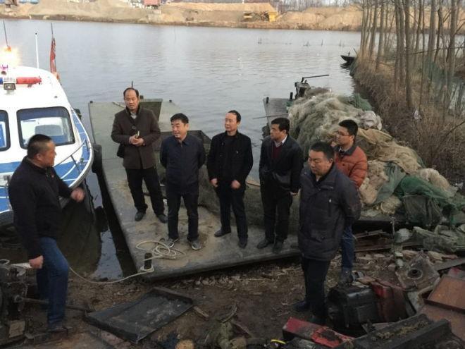 安徽亳州市农委副主任方振勇带队督查渔业安全