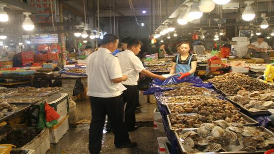 辽宁葫芦岛市开展夏季预防贝类中毒事件安全宣传