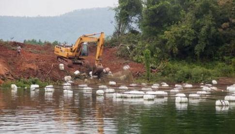 还长江流域良好生态环境 四川泸州市拆除网箱养