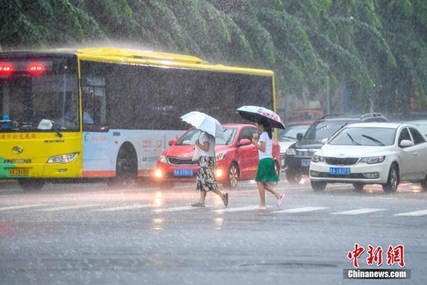 北京等5省区市有暴雨黄淮江南等高温预警连发