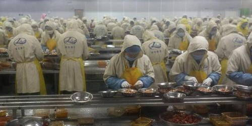 """小龙虾好吃壳难剥?武汉""""剥虾""""生产线国内首创,可顶400名工人"""