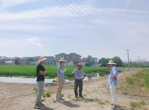 高温季节,浙江湖州市长兴县渔技员加强技术指